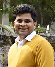 Dr. Ashutosh Murti
